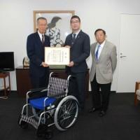関西遊商1_武田会長と荒谷副理事長、綛田監事(左から)